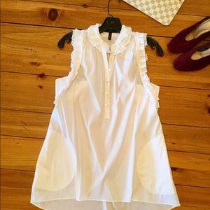CUTE!! BCBG MaxAzria White top /tunic w/pockets